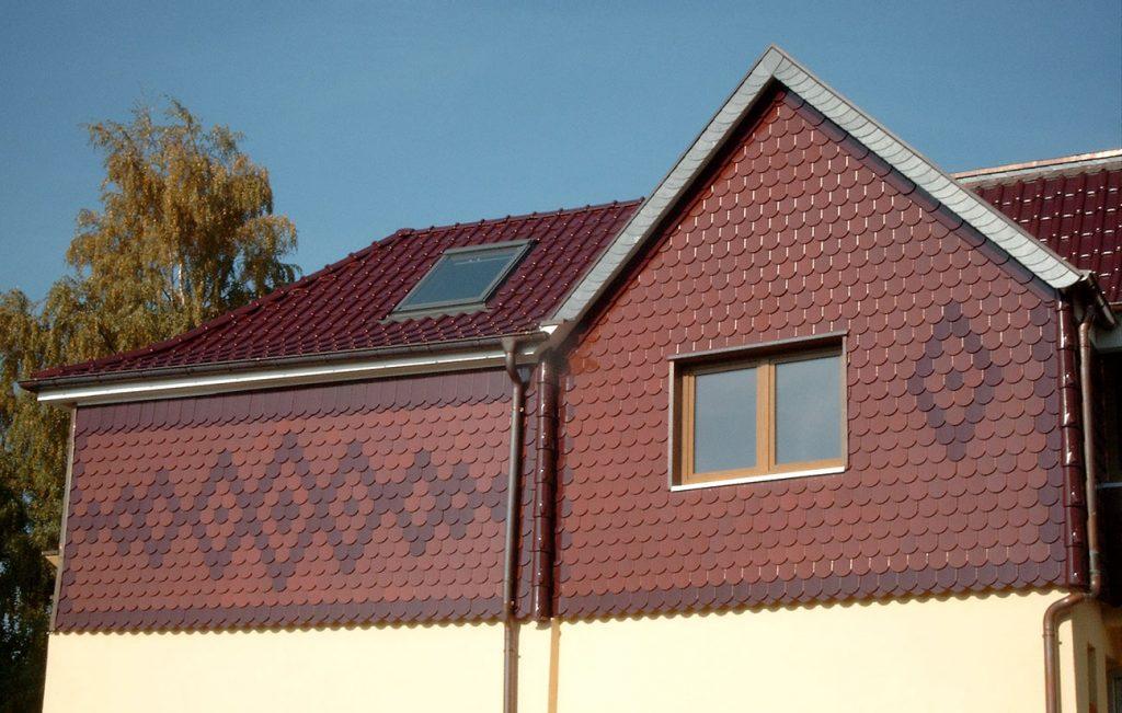 Biberschwanz-Fassade in Hohengandern, Arbeit der Engelhardt Dach & Wand GmbH