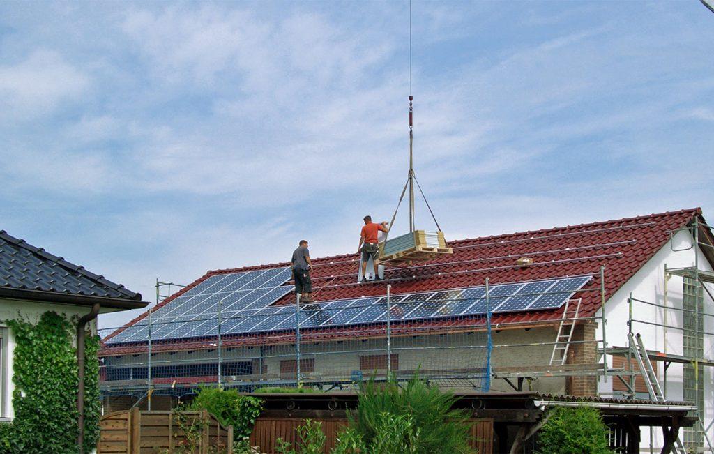 Installation von Photovoltaikanlagen durch die Engelhardt Dach & Wand GmbH