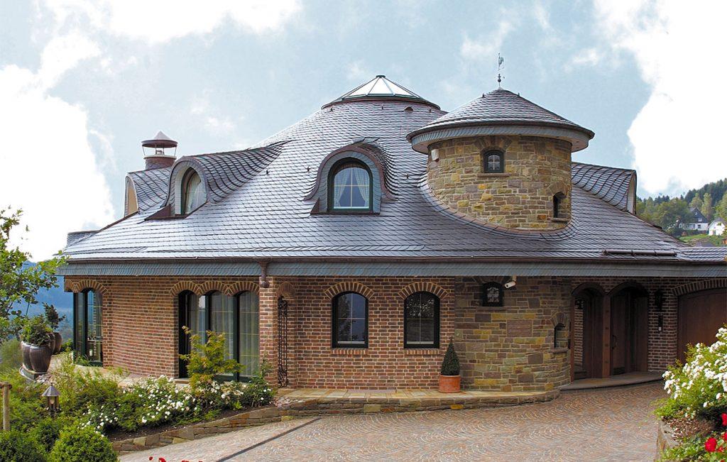 Schieferdach mit Schiefer von Rathscheck, Partner der Engelhardt Dach & Wand GmbH