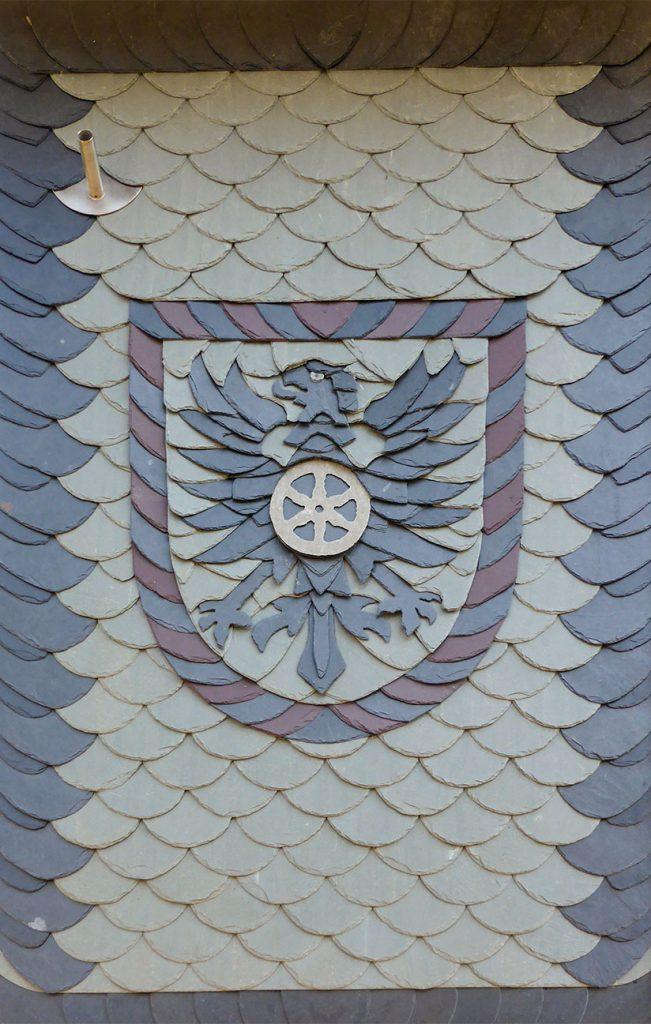 "Schiefer-Ornament ""Eichsfeld-Wappen"", Arbeit der Engelhardt Dach & Wand GmbH"