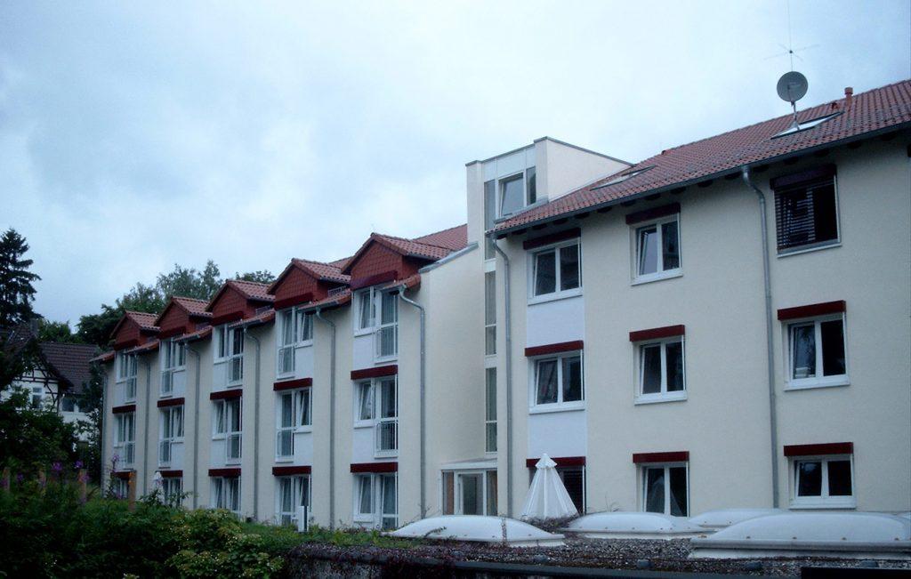 Steildach eines Pflegeheims in Bad Sachsa, Arbeit der Engelhardt Dach & Wand GmbH